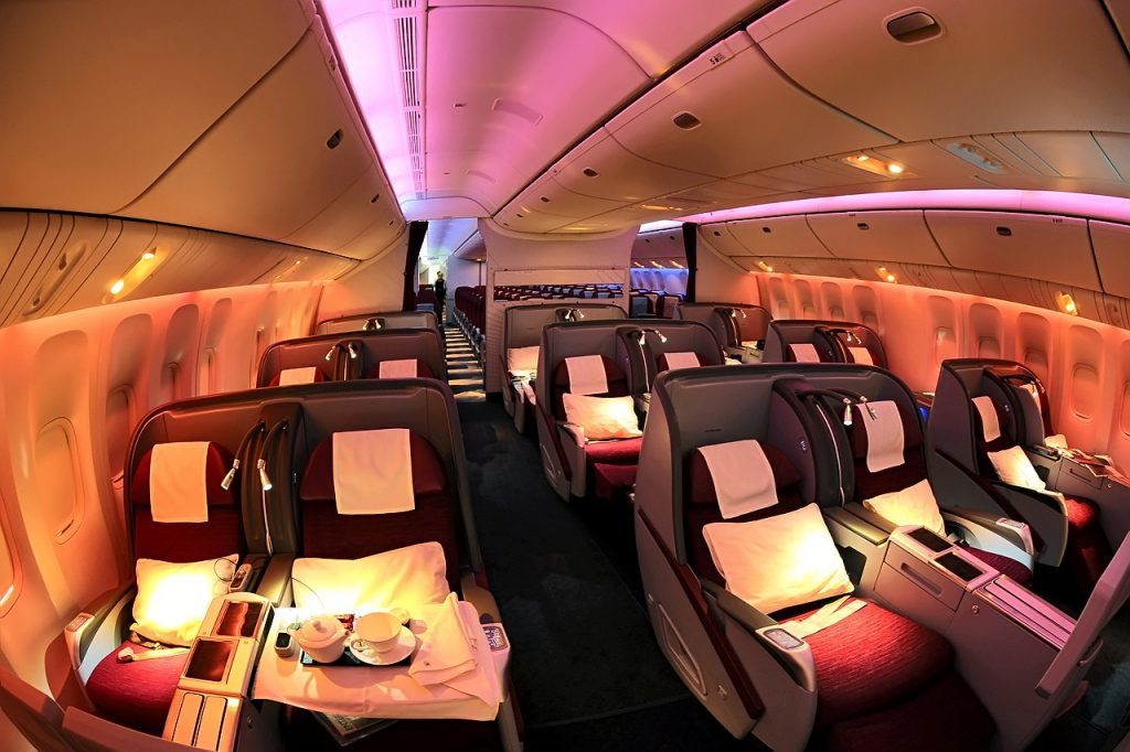 gia ve may bay qatar airways