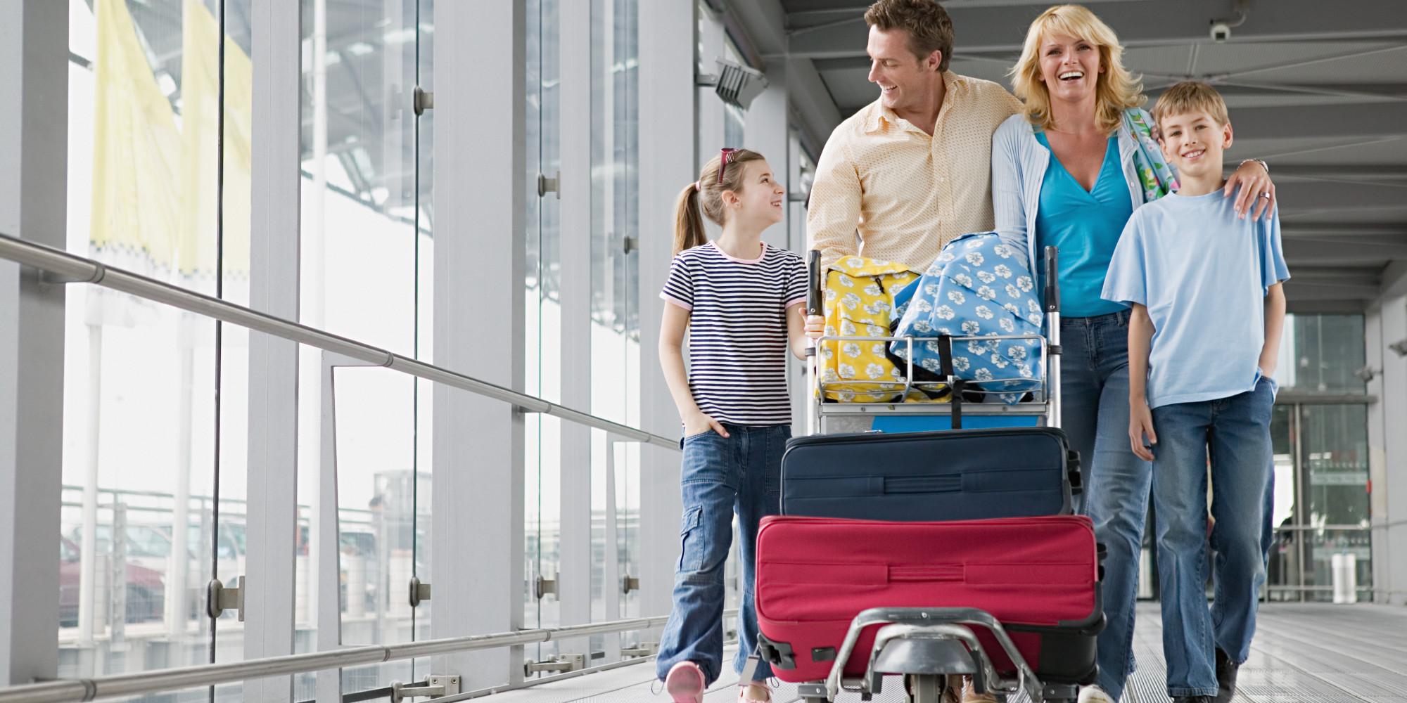 Giá vé máy bay Tết của trẻ em, người già và người khuyết tật là bao nhiêu?