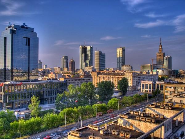 ve may bay di Warsaw gia re 2