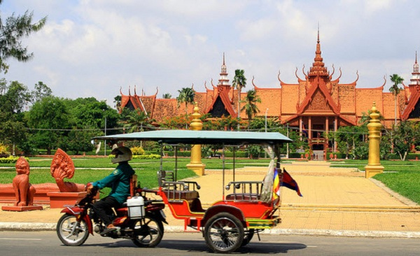 ve-may-bay-di-phnom-penh-2