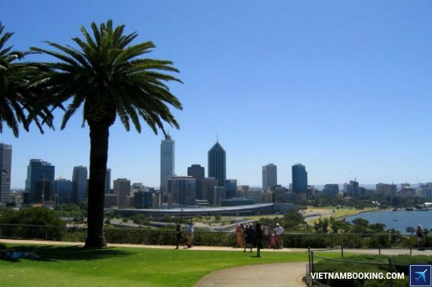 ve may bay di Perth gia re