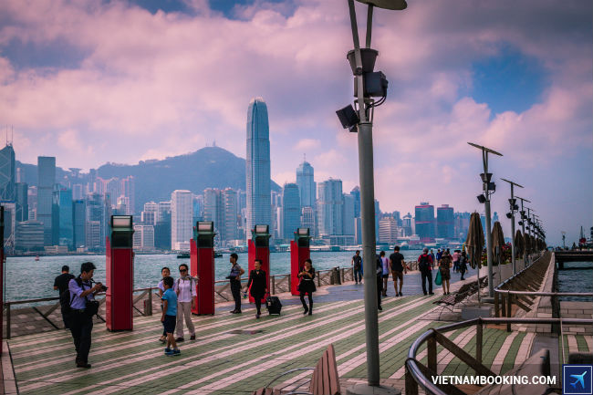 ve may bay di hong kong gia mem
