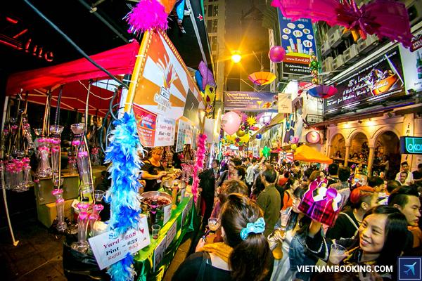 ve-may-bay-di-hong-kong-hang-china-eastern-airlines-4-27-11-2015