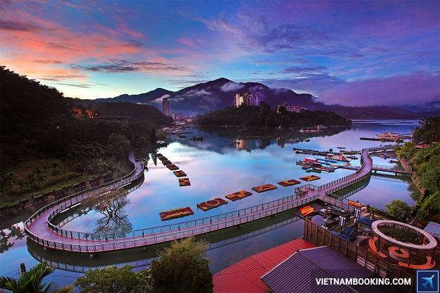 Du lịch Đài loan: Làng Cổ Thập Phần - Công Viên Dã Liễu hè 2017
