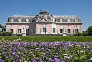 Thưởng ngoạn vẻ đẹp lâu đài Benrath ở Dusseldorf, Đức