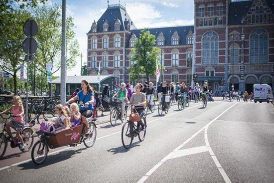 Du kịch Amsterdam
