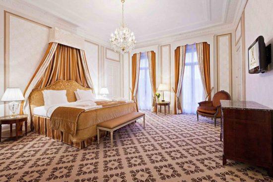 Khách sạn Bỉ