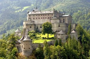Top 10 lâu đài đẹp nhất Châu Âu
