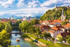 Top 6 thành phố đẹp nhất cho chuyến du lịch Châu Âu tháng 3/ 2020