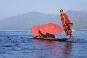 Khám phá vẻ đẹp thần tiên của hồ Inle ở Myanmar