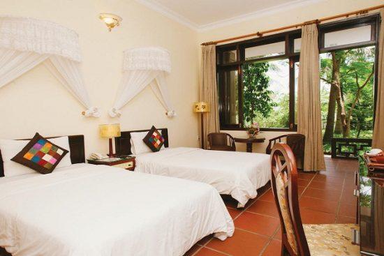 Khách sạn Huế gần biển Lăng Cô