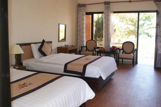 Khách sạn nghỉ dưỡng 3 sao ở biển Lăng Cô
