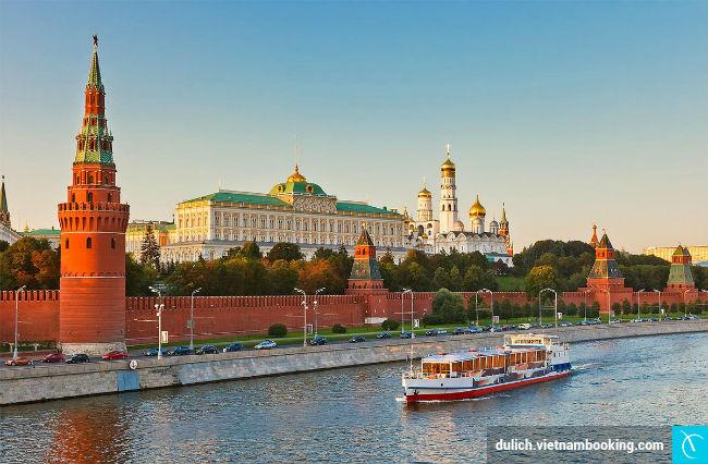 kham-pha-su-bi-an-cua-cung-dien-kremlin-1-24-03-2017