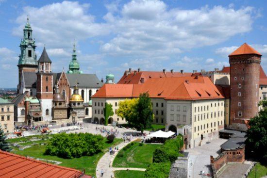 Vé máy bay đi Ba Lan giá rẻ