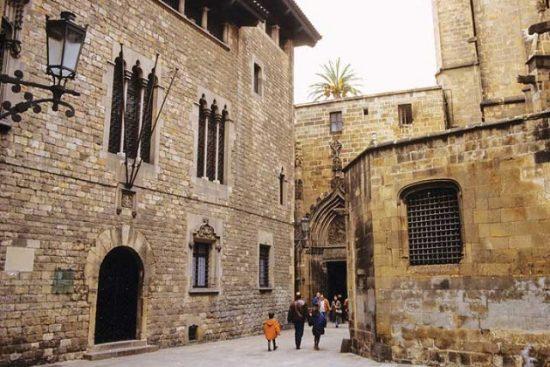 Du lịch Barcelona với những điểm đến đẹp nhất