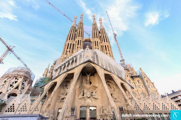du-lich-barcelona-04-04-2016
