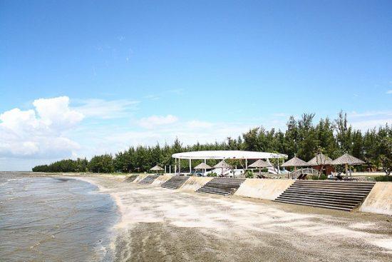 Bãi biển Hồ Tràm