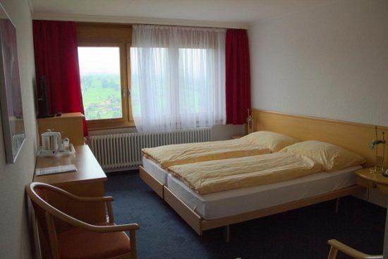 Khách sạn Thụy Sỹ