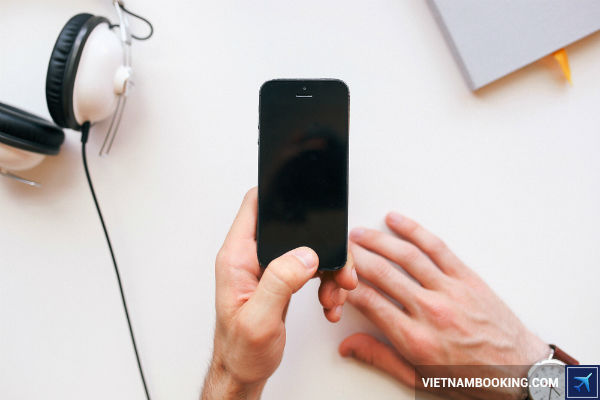 5-ung-dung-giup-kiem-tra-hanh-trinh-bay-Vietnam-Airlines-20-05-2017
