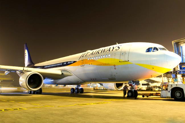 ve may bay jet airways 4
