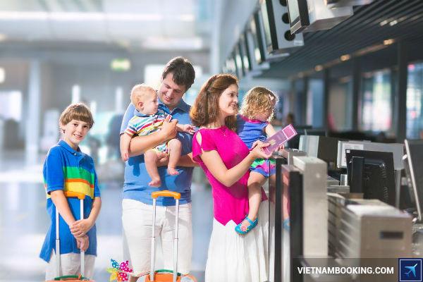 nhung cau hoi thuong gap khi cho tre di may bay Vietnam Airlines 3