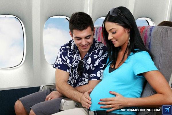 thu tuc di may bay Vietnam Airlines  danh cho ba bau 1