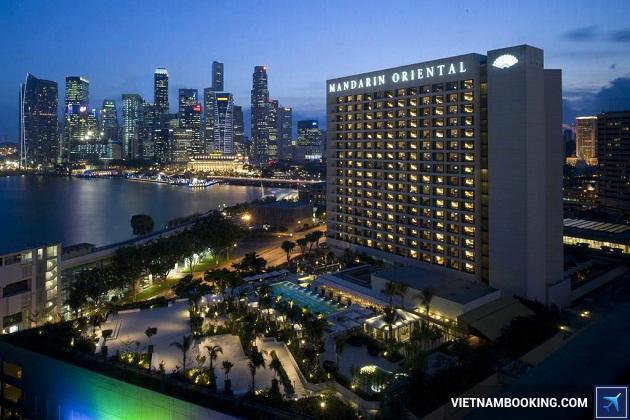 Khách sạn Mandarin Oriental