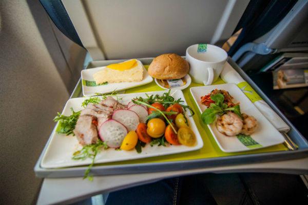 ve-may-bay-Lufthansa-27-06-2017-3