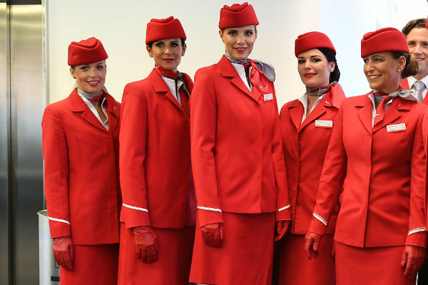 ve may bay austrian airlines gia re