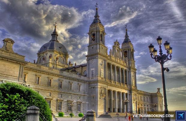 Book-ve-re-di-Madrid-tham-quan-nhung-diem-den-thu-vi-nhat-2-27-7-2017