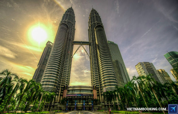 Cung-ve-may-bay-Vietjet-tham-quan-canh-dep-Malaysia-1-4-7-2017