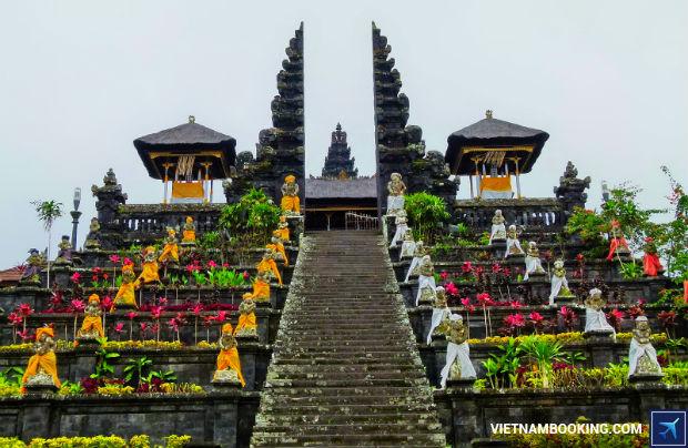 Du-lich-cung-ve-may-bay-gia-re-di-Bali-Indonesia-1-3-7-2017