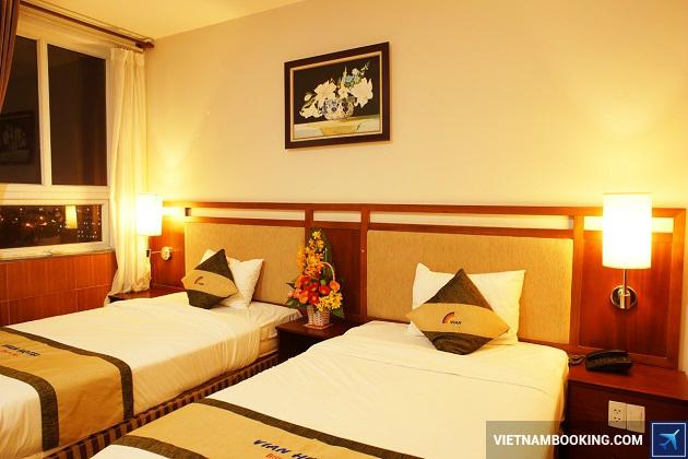 Khách sạn trên đường Phạm Văn Đồng Đà Nẵng