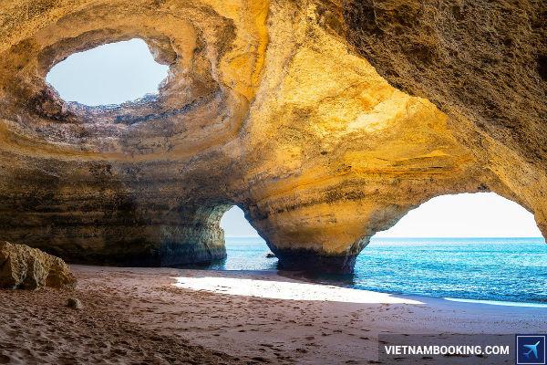 Mo-ban-hang-ngan-ve-re-tu-TPHCM-di-Algarve-Bo-Dao-Nha-1