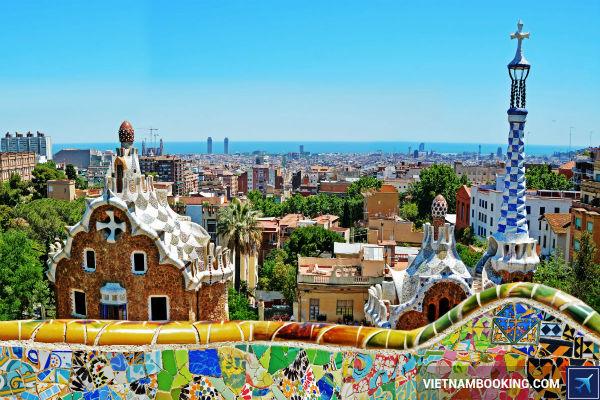 Mua-ve-bay-tu-Ha-Noi-di-Barcelona-sieu-re-tai-Vietnam-Booking-22-7-2017