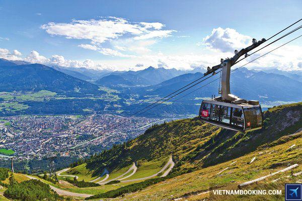 Mua-ve-may-bay-gia-re-thoa-thich-du-lich-Innsbruck-Ao-27-7-2017-1