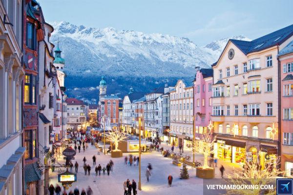 Mua-ve-may-bay-gia-re-thoa-thich-du-lich-Innsbruck-Ao-27-7-2017