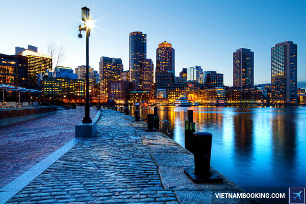 Tha-ga-kham-pha-Boston-voi-ve-may-bay-sieu-re-25-7-2017