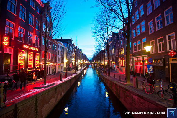 Ve-khu-hoi-Ha-Noi-Amsterdam-sieu-re-chi-tu-300-USD-22-7-2017-3