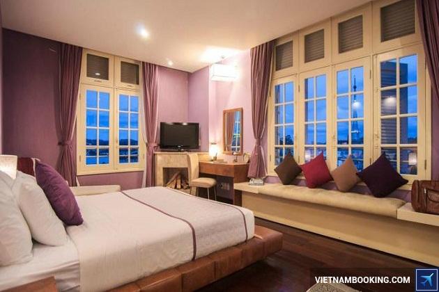 Khách sạn Đà Lạt trên đương Hồ Xuân Hương