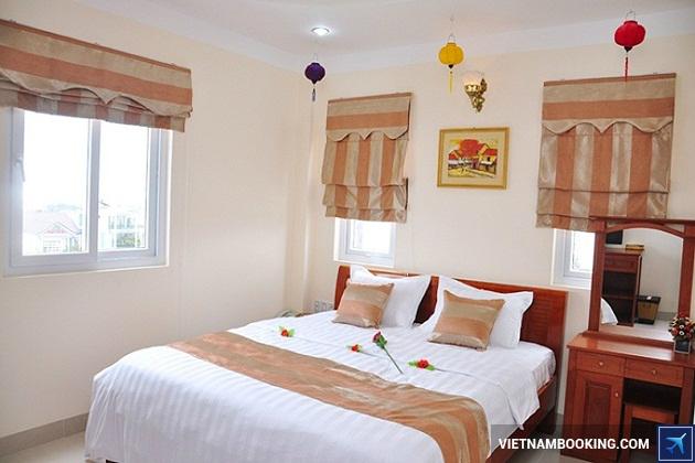 Khách sạn 2 sao Đà Nẵng nằm gần sông Hàn