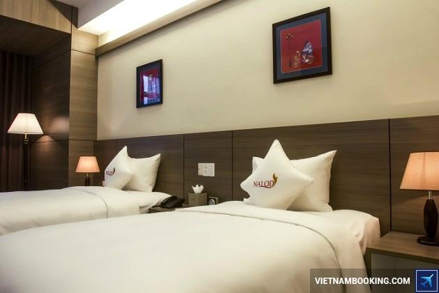 Khách sạn nằm trên đường Võ Nguyên Goáp đà nẵng được ưa thích