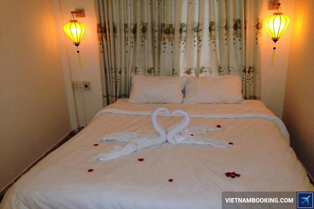 Khách sạn gần sông Hương Huế