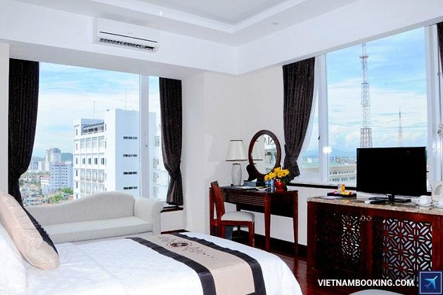 Khách sạn có hồ bơi đẹp xứ Huế