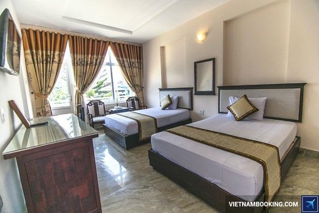 Khách sạn gần sông Hương ở Huế