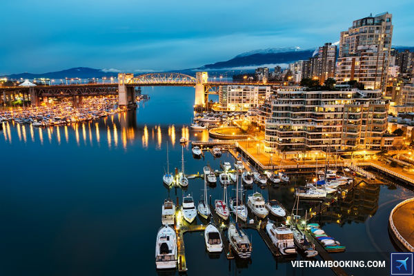 mua-ve-may-bay-Canada-kham-pha-Vancouver-tha-ga-01-07-2107-1