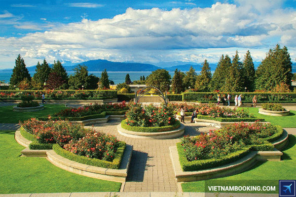 mua-ve-may-bay-Canada-kham-pha-Vancouver-tha-ga-01-07-2107-2