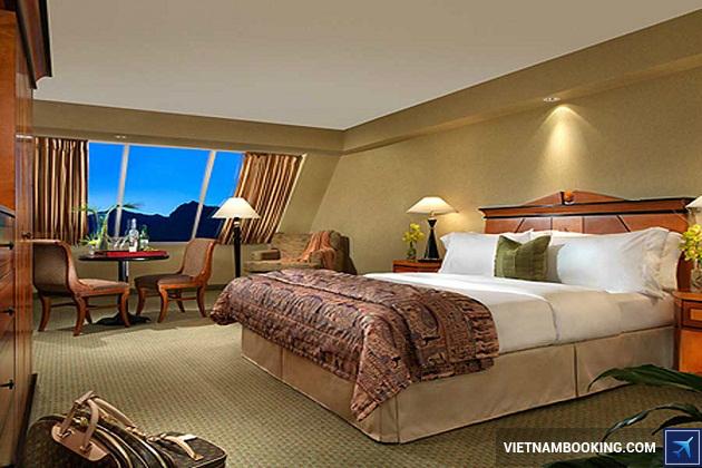 Khách sạn Luxor Las Vegas