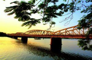 Tour du lịch Miền Trung thăm xứ Huế: Cố đô Huế – Chùa Thiên Mụ – Chợ Đông Ba (3N2Đ)