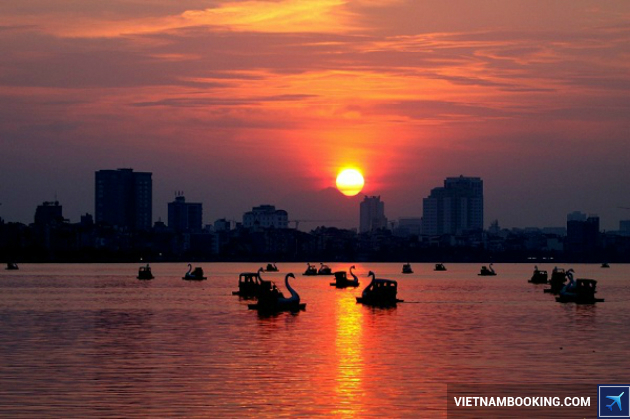 ve may bay di ha noi gia re nhat